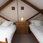Old Nog Cottage, twin bedroom
